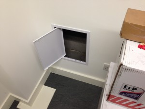 Internal access hatch for duct entry point